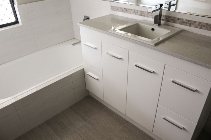 1200mm Hunter Base Gloss White With Ice White Engineered Stone Top and Low Vessel Basin   Bathroom Renovations Thornlie