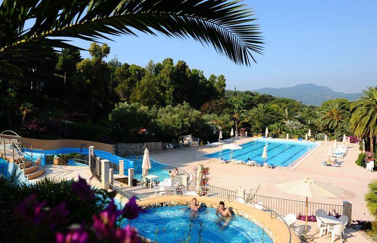 Nieuw, Rosselba Le Palme! Glamping in Toscane op Elba. Tendi safaritenten met badkamer op deze Italiaanse terrassencamping met prachtige palmentuin en strand op loopafstand. Er is een heerlijk zwembad met apart kinderbad en een whirlpool. Voor de kinderen is er leuke animatie en een mooie speeltuin. www.tendi.nl/italie