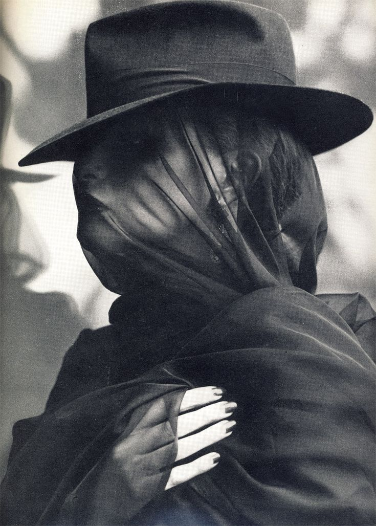 scene 16: black hat and veil (more opaque than this one). Similar to margaret and beatrice