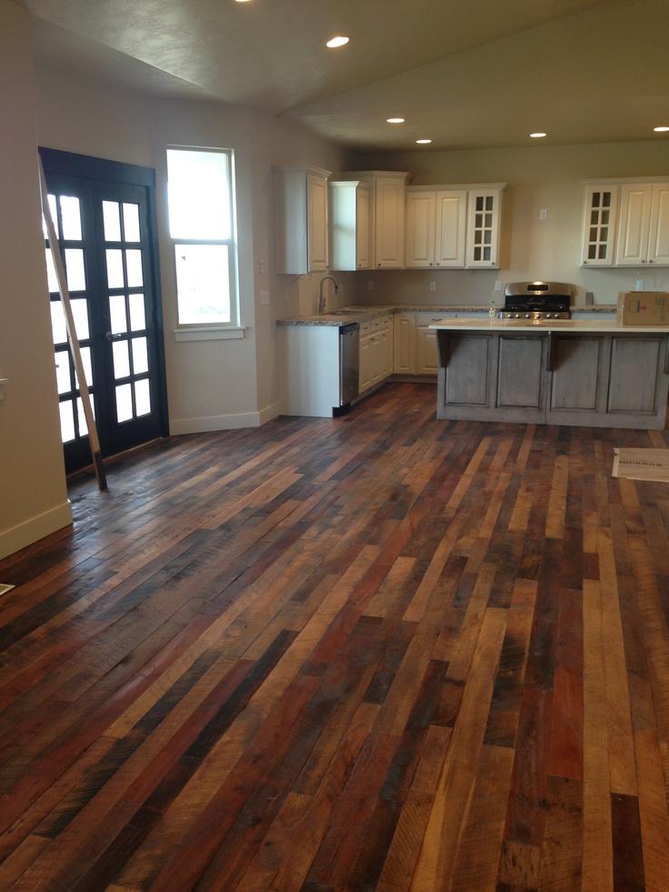 Barnwood Floor - Refurbished Barn Wood Flooring Carpet Awsa