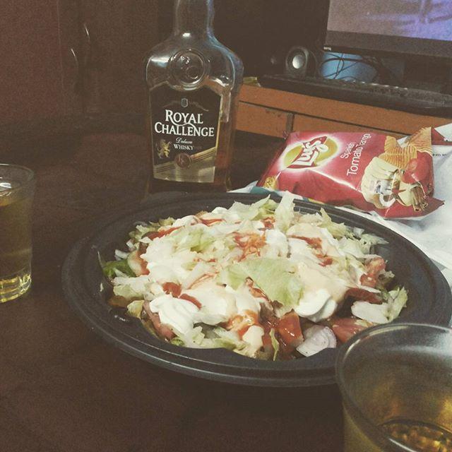 B4 birthday #toast #RC #salad #subway #night #alcoholic #best #lays #spanishflavour #roastedchicken #lettuce #olives #glassmate #arul #n8