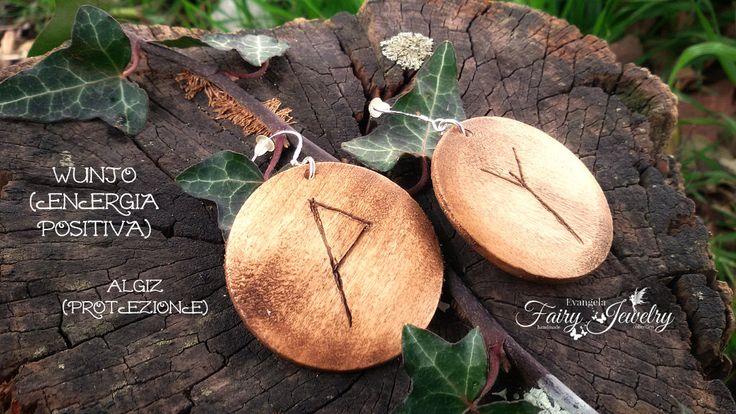 Orecchini rune celtiche protezione energia positiva legno inciso a mano cerchi pendenti, by Evangela Fairy Jewelry, 8,00 € su misshobby.com