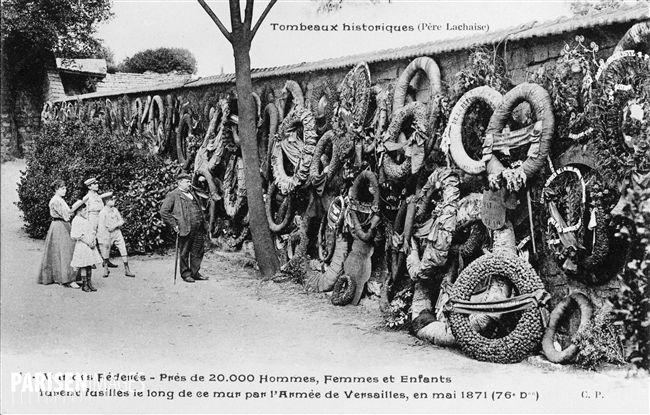 Le mur des Fédérés. Paris, cimetière du Père-Lachaise.