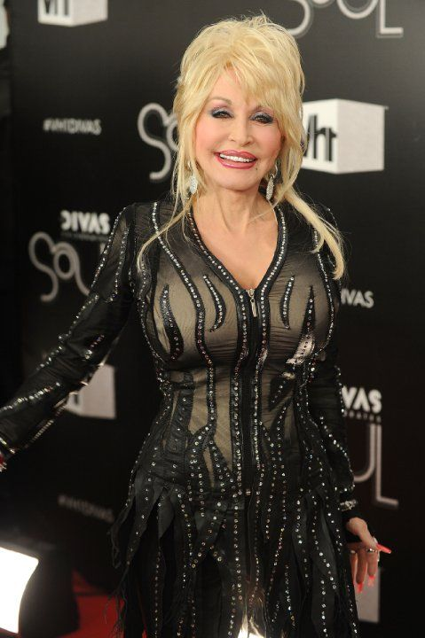 Dolly Parton. Dolly was born on 19-1-1946 in Sevierville, Tennessee as Dolly Rebecca Parton. She is a singer, known for The Porter Wagoner Show, Transamerica, Moulin Rouge! and Sweet Home Alabama.