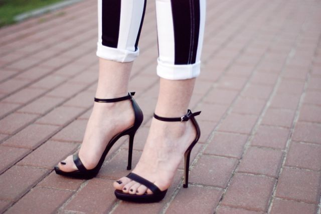 Simple Black Strappy Heels | Tsaa Heel