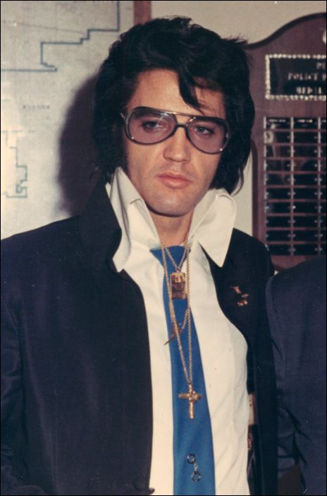 Elvis worked with jeweler Lowell Hays on his jewelry designs.