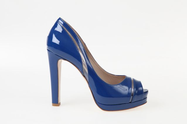 Blue #patent #leather #pumps and plexi details with #platform #heel to @sergiolevantesishoes collection