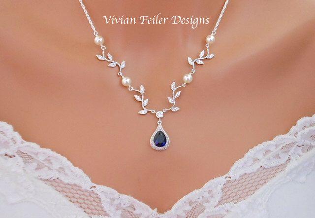 Bruiloft ketting VINE ketting saffier blauw Y bruids sieraden wit of ivoor parels zilver door InStyleBoutique op Etsy https://www.etsy.com/nl/listing/270306490/bruiloft-ketting-vine-ketting-saffier