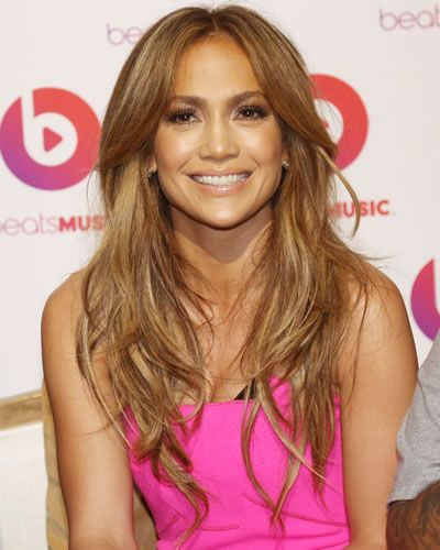 I capelli lunghi scalati di Jennifer Lopez #hairstyle #haircut #longhair #jlo