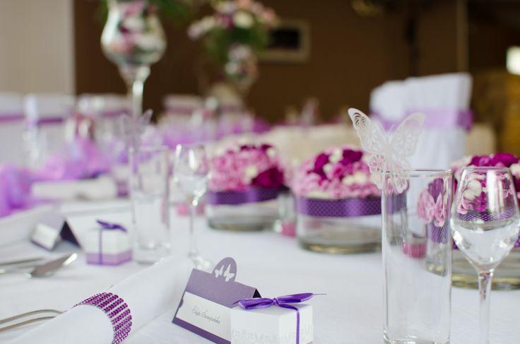 Weselne dekoracje stołu.