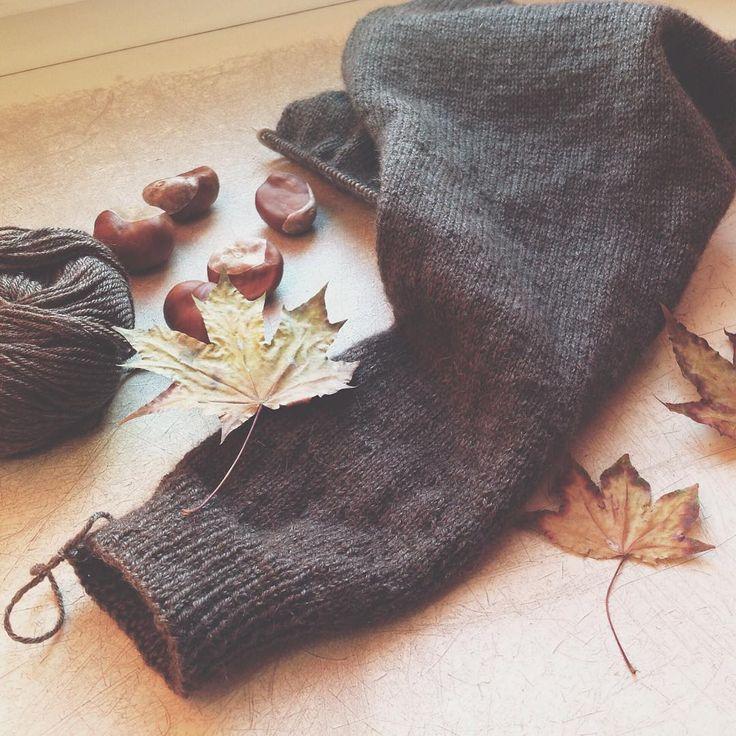всем привет! А я тут такую нежность довязываю, остались считанные петельки➰. Погода шепчет ☀️ и хочется, что бы эта осень была все дни такой. #вяжутнетолькобабушки#knitting#iloveknitting#i_loveknitting#yarn#babyalpaca#дети#instagram#instaknit#instababy#jugo