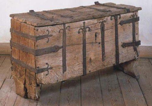 Arredamento Nel Medioevo Questioni Di Arredamento Decorazioni Medievali Bauli Antichi Arredamento