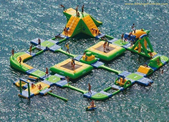HUGE LAKE FLOAT COMPLEX - DIVING PLATFORMS - BOUNCY FUN - CRAZY WATER TRAILS