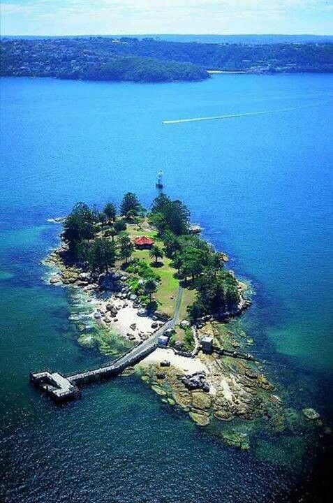 Shark island, Sidney, Australia