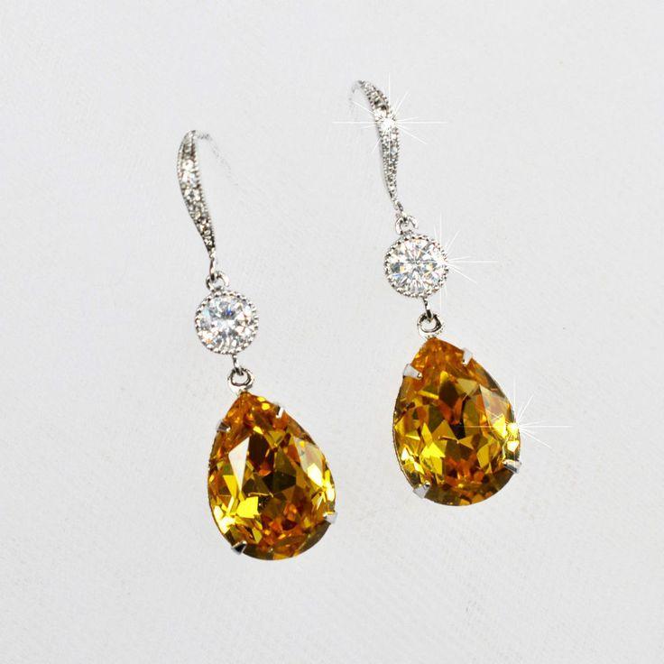 Handmade Swarovski Topaz Pear Crystal Dangle Earrings (Sparkle-2542-U)