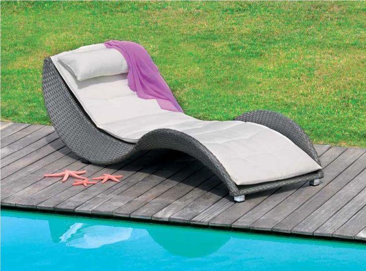 Arredo giardino lettino chaise longue rattan sintetico con for Chaise longue rattan sintetico