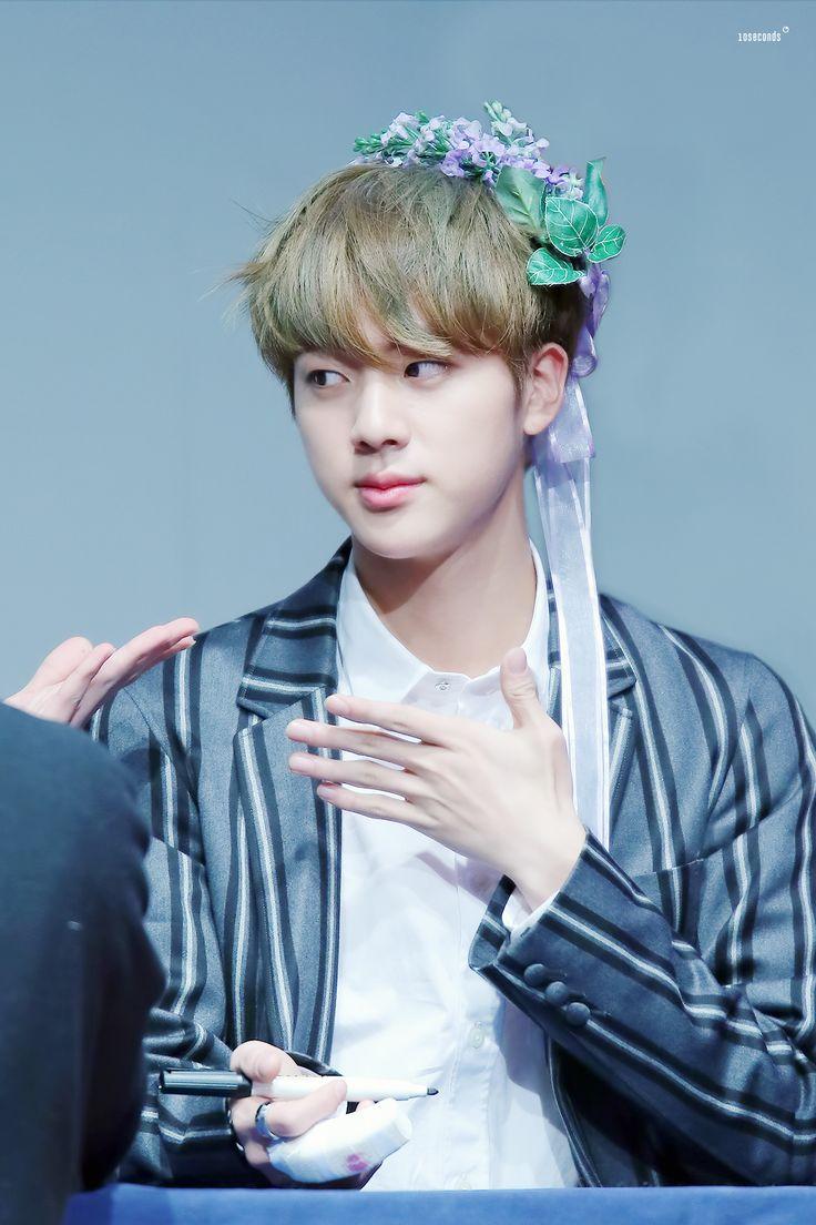 """Jin claramente dizendo que não é as suas nega e, sim, uma princesa. """"Faça-me o favor, plebeu"""" ♡"""