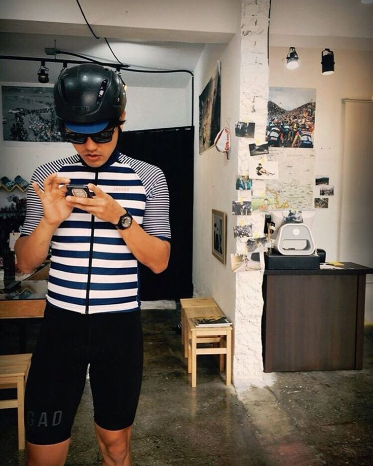 "Gentlemen Cycling Club su Instagram: ""Searching _ Where to go 어디로 가볼까나.. _ #jaggadcycling #gentlemencc"""