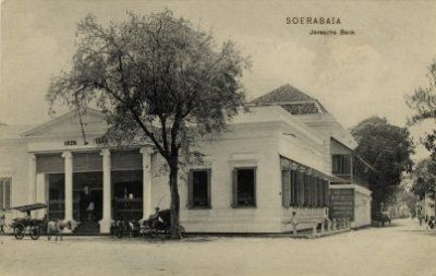 File:KITLV - 1404567 - Soerabaia Javasche Bank - 1895 - 1925.jpg