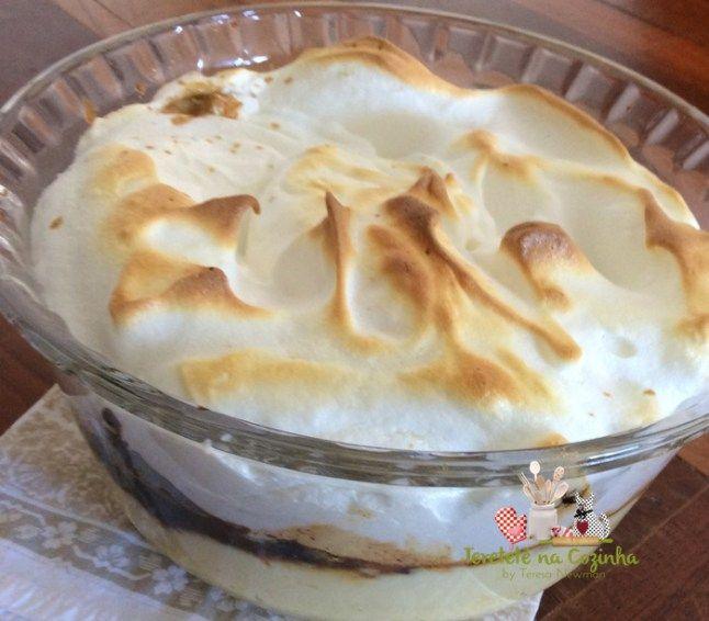 Aprenda a fazer uma deliciosa sobremesa de leite condensado com ameixa, conhecida como montanha russa de ameixa.