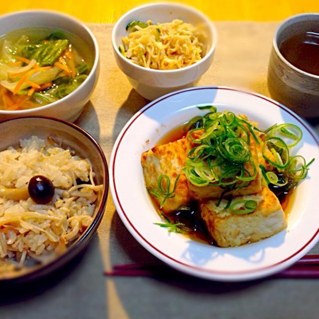 2014・3・6 - 9件のもぐもぐ - 揚げ出し豆腐、切り干しときゅうりのサラダ、鶏つくねと野菜のスープ、きのこご飯 by kikunyan