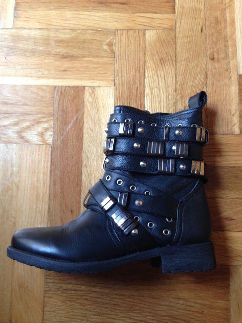 http://sisiglam.wordpress.com/2013/11/01/how-soon-is-now/ asos aberdeen leather biker boots