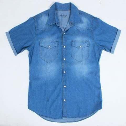 Camisa Avintage mezclilla manga corta. Ve a nuestra sucursal ubicada en Plaza Mora Texcoco (Av. Juárez Sur #321), Estado de México.