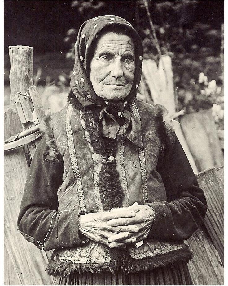 Karol Plicka - Stará Goralka (old highlander) z Pôľhory, 1925