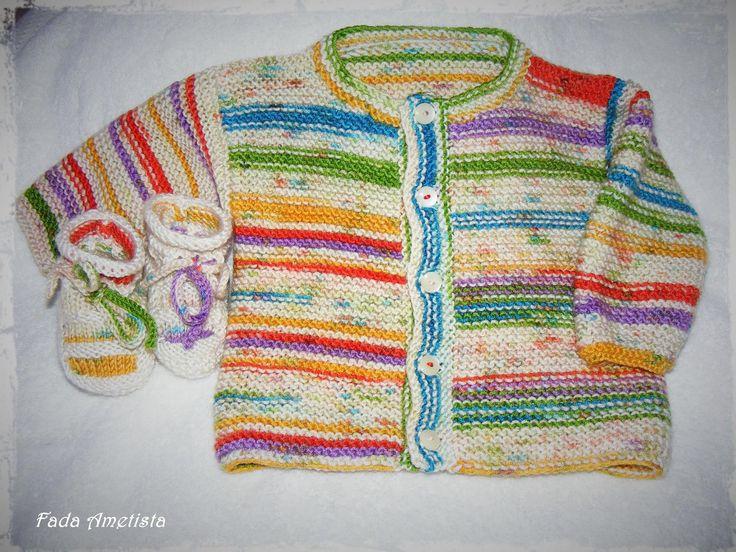 Casaquinho e botinhas - Feito em lã suave, apropriado para bebé. Medida: até 1ano https://www.facebook.com/FadaAmetista/photos/a.1661150557535744.1073741856.1589593488024785/1661159860868147/?type=3&theater