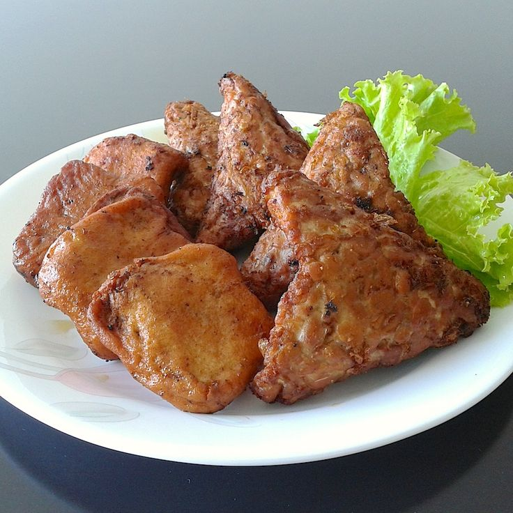 Tahu tempeh bacem (fried tofu and tempeh)