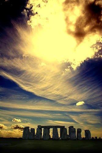 Amazing picture of Stonehenge, in England