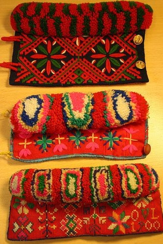 Wristwarmers due to traditional Swedish folklore from Gagnef, Dalecarlia county | Armringar Gagnef