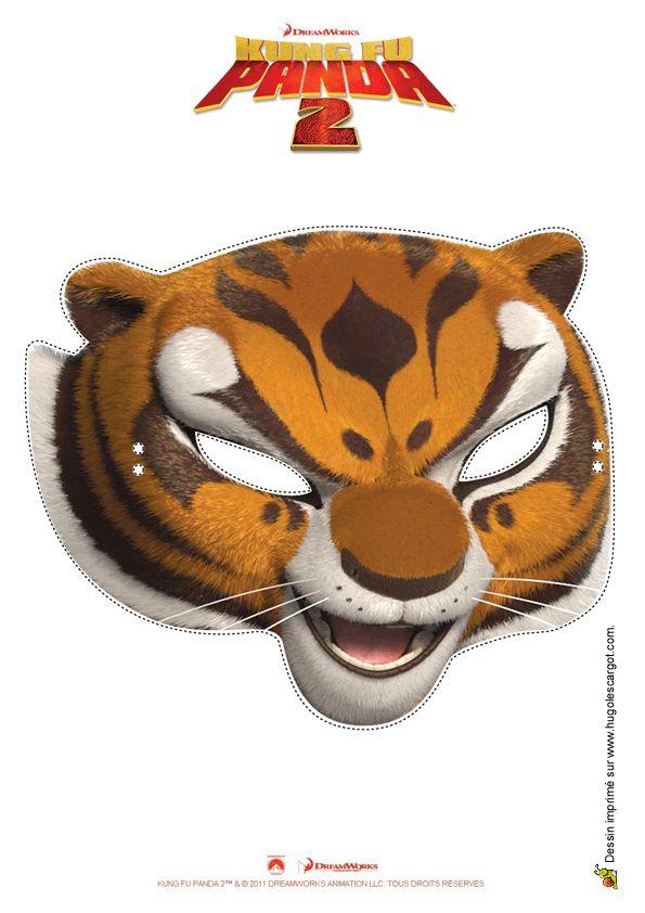 Découpage d'un masque de la Tigresse, un personnage-clé de Fung-Fu Panda.