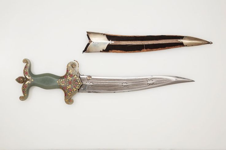 Dagger. India, 18th century. Steel, jade, gold, rubies and emeralds