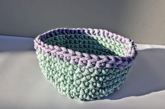 jedna z kolorowych miseczek bawełnianych