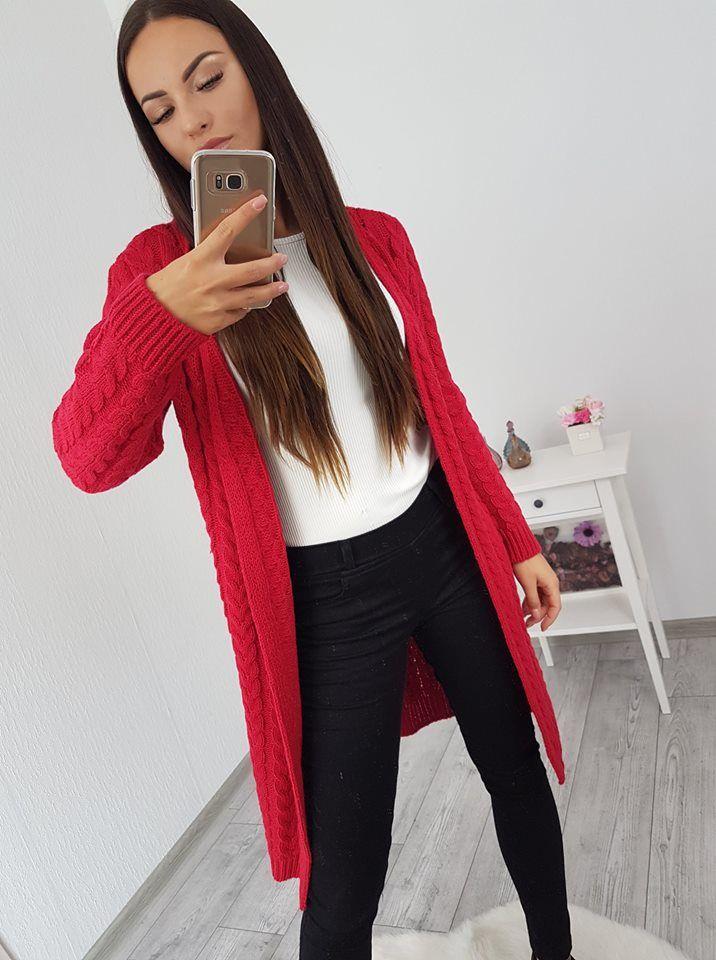 2f352ba44383 Dámsky kardigán pletený v krásnej červenej farbe si môžeš zakúpiť u nás.  Dostupné sú vo veľkosti univerzálnej
