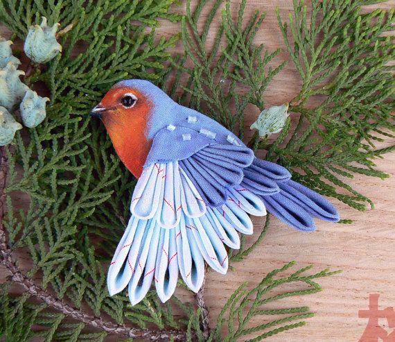 Volar Robin, pequeño pájaro lindo. Broche Tsumami zaiku, kanzashi.
