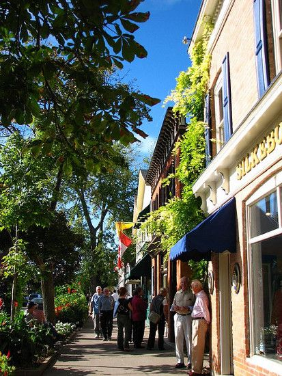 Beautiful Queen Street 124 on Queen Hotel & Spa (Niagara on the Lake, Ontario)