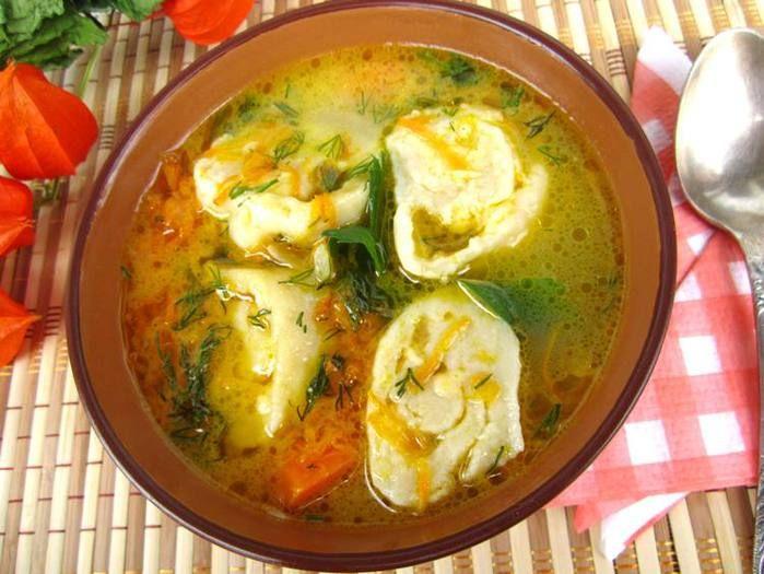 Куриный суп с сырными рулетиками