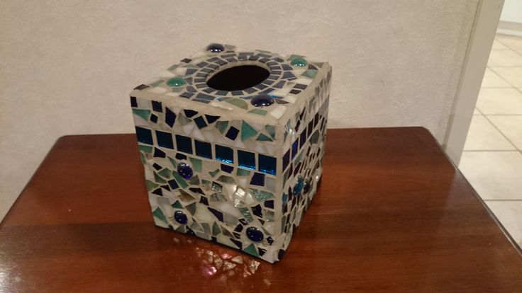 Mosaic tissue box. Tissue boxes are normally quite boring, get used as soccer balls, especially with small children I have a tissue box in every room! At least this adds a little pizzazz!