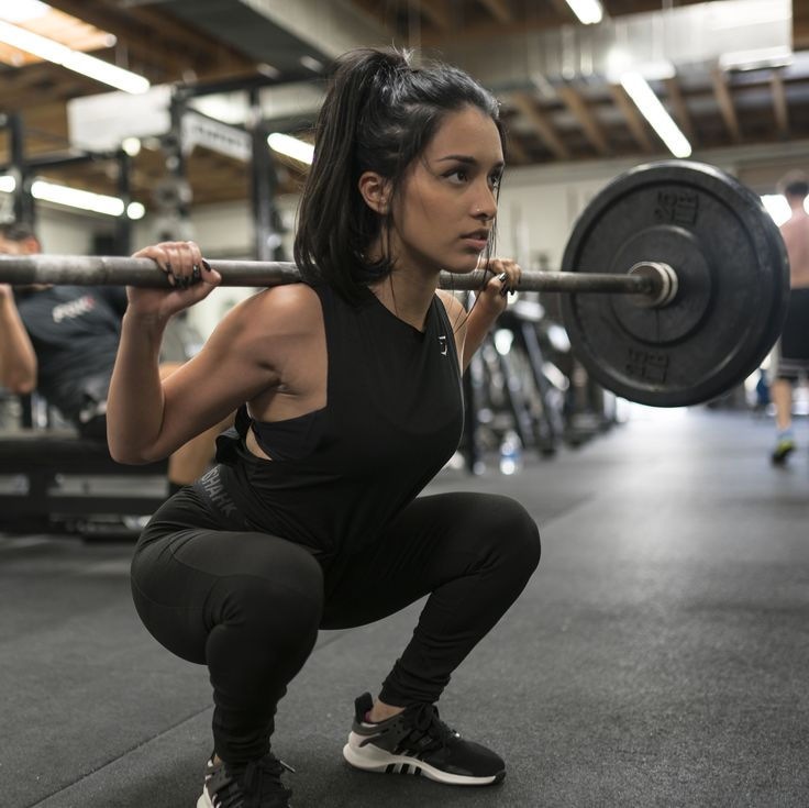 How to rock the all black everything trend in the gym.