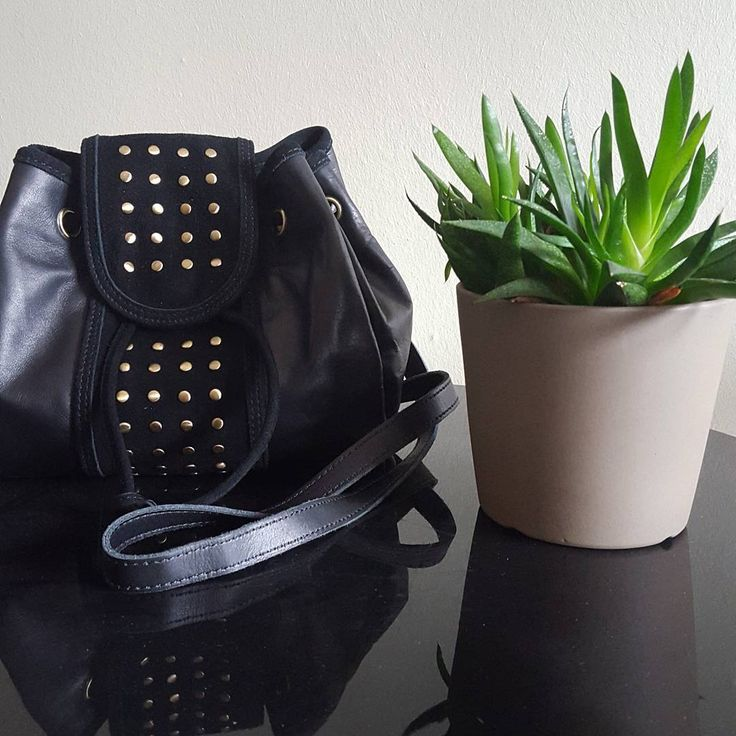Léontine #mamanetrose #sac #bourse #bag #purse #cuir #leather #black #noir #dore #golden #plante #plants www.mamanetrose.com