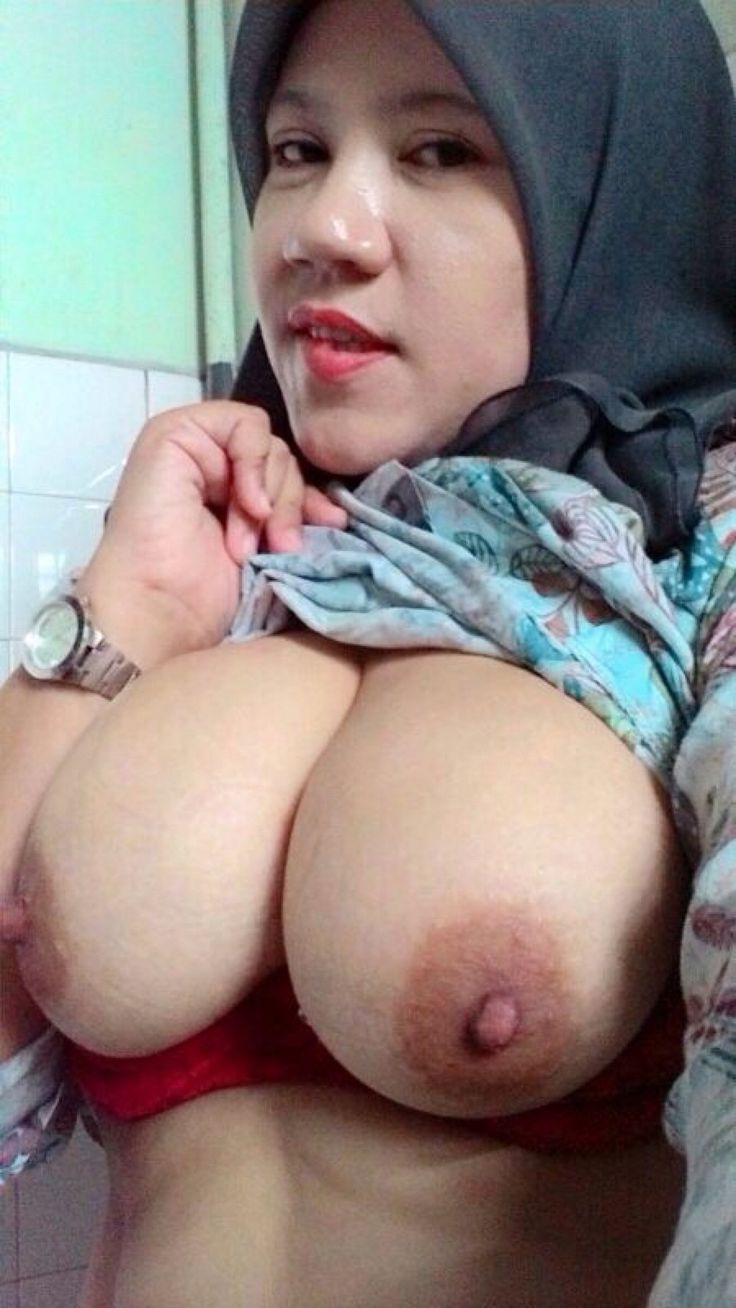 Teen nude busty muslim — photo 12