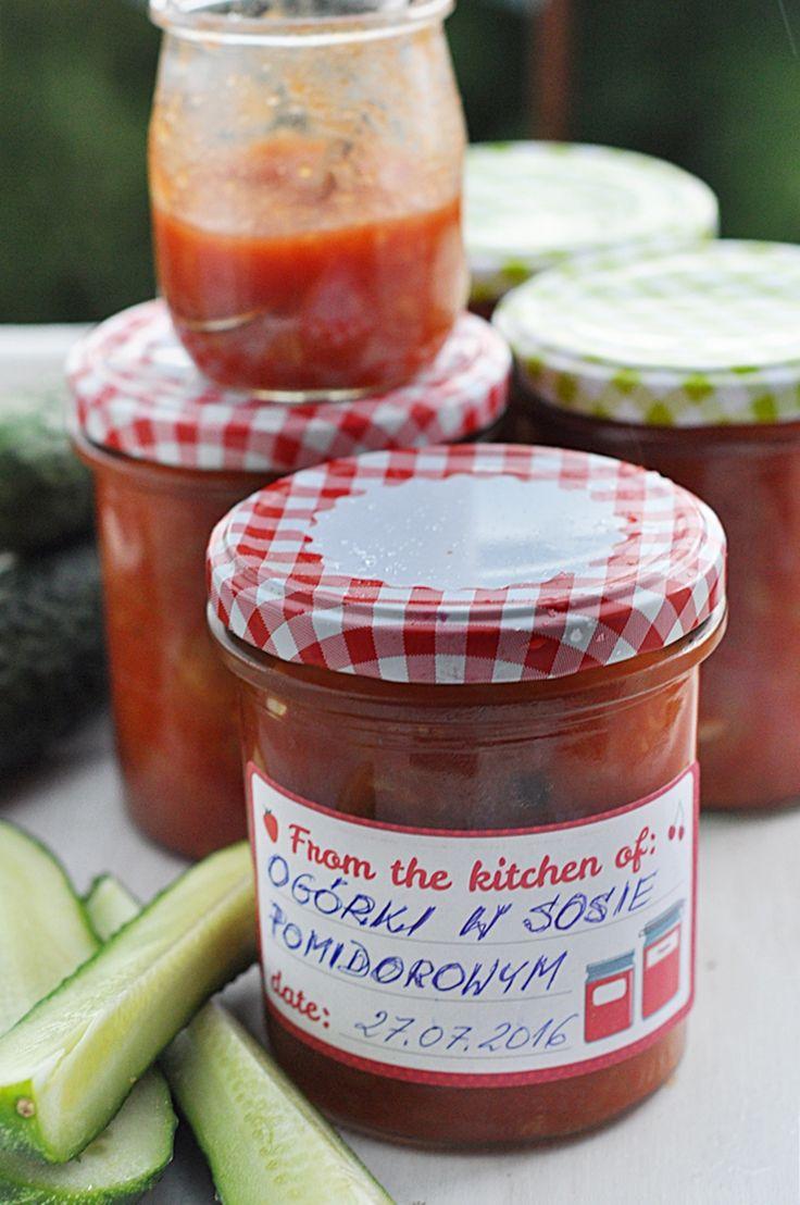 Ogórki w sosie pomidorowym
