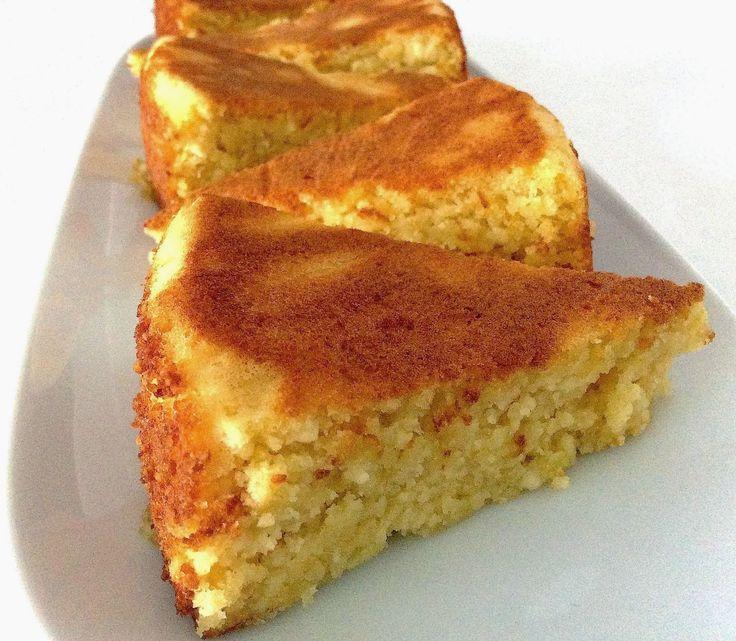 De textura húmida, este bolo mistura na perfeição o sabor intenso do requeijão com o limão