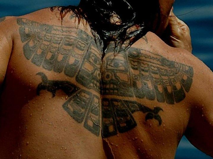 tattoo on back of anthony kiedis of the 39 red hot chili peppers 39 tattoo designs pinterest. Black Bedroom Furniture Sets. Home Design Ideas