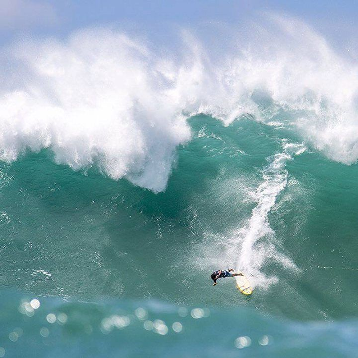 Comparateur de voyages http://www.hotels-live.com : Although he didnt win the Eddie @cocom4debarrelkilla put on one of the best performances of the day consistently going for broke on the most daunting of waves. For an entire gallery of images from the water shot by @zaknoyle head over to #Surfer site. #SurferOnLocation #EddieWouldGo Hotels-live.com via https://www.instagram.com/p/BCVsF8FrrWm/ #Flickr via Hotels-live.com…