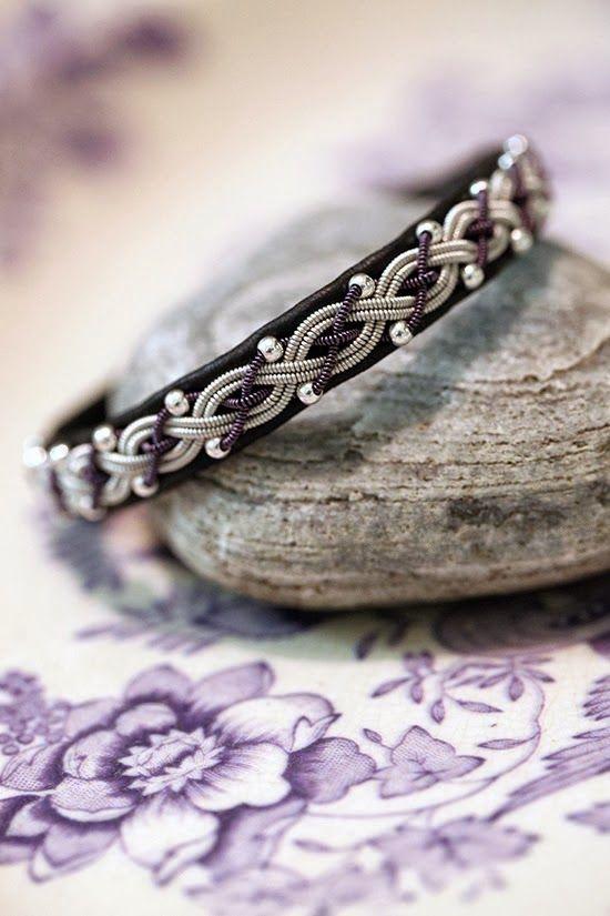 Armband med silverpärlor