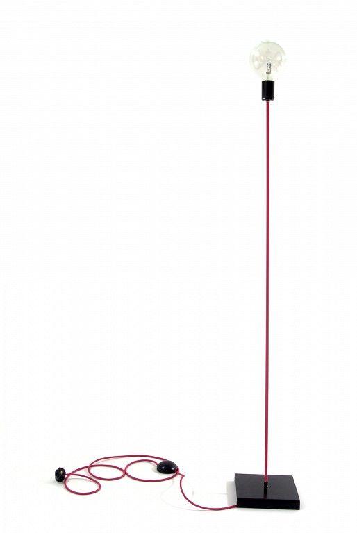 Lampa podłogowa w stylu loft kolorowe kable w oplocie, różowym, dostępne tutaj: http://www.sklep.imindesign.pl/product/lampa-podlogowa-loft-design-kolorowe-kable-w-oplocie-magenta