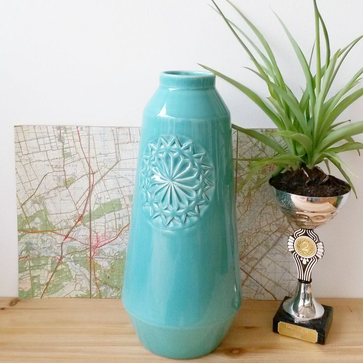 ANNY& - our carved vase